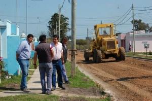 """Unas 150 familias serán beneficiadas con el ripio en barrio """"Victoria"""""""