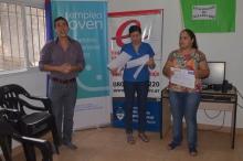 Entrega de certificados de finalización de talleres en la Oficina de Empleo