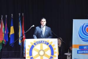 Irigoyen entregó las llaves de la ciudad a la representante del presidente del Rotary Club International Barry Rassin