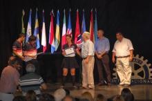 Irigoyen acompañó la entrega de premios del Rotary a mejores promedios y compañeros