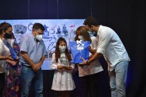 Se entregaron los reconocimientos del certamen literario por el aniversario de Curuzú