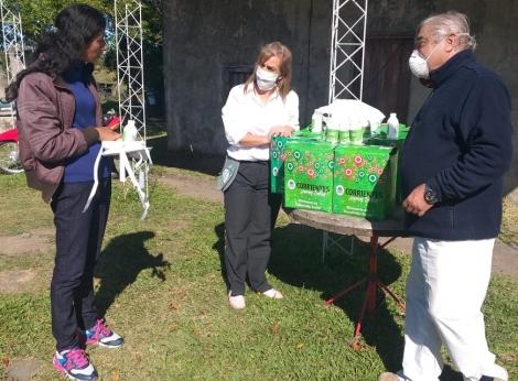 Municipio y Provincia entregaron módulos alimentarios, barbijos y otros elementos en la Cuarta Sección de Curuzú