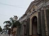 Limpieza del frente del Palacio Municipal
