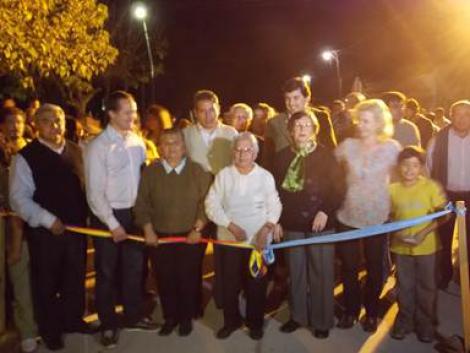 Inauguración de pavimento en calle Don Bosco